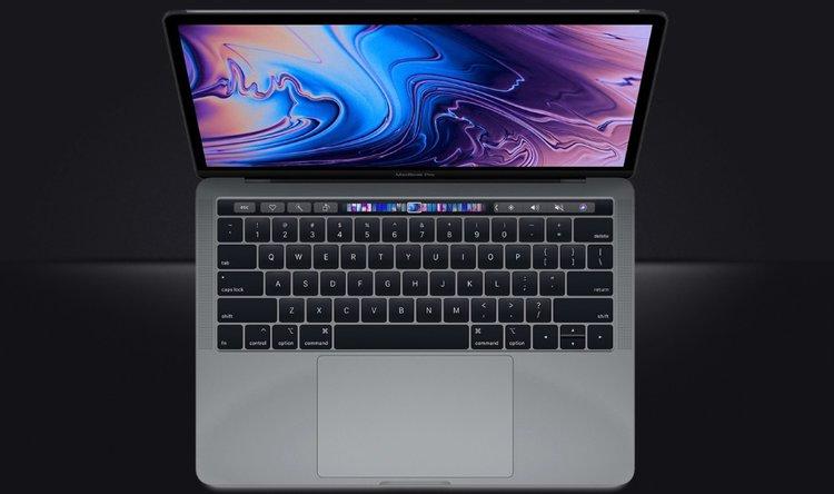 Przyszłoroczny MacBook Pro może otrzymać bardzo istotną nowość. Retina zostanie porzucona? -